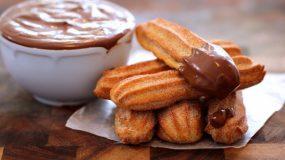 Churros: Το γλυκάκι με τα 4 υλικά που θα λατρέψετε