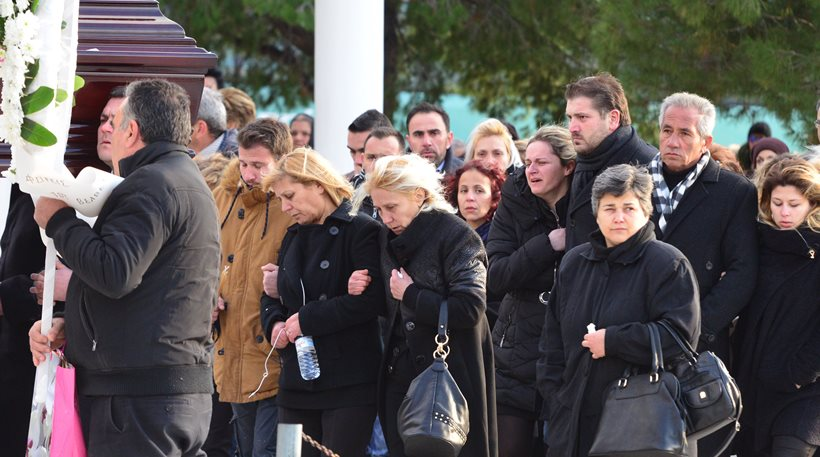 Θρήνος και οδύνη στην κηδεία της Ανθής Λινάρδου