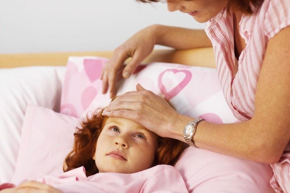 Προσοχή στα παιδιά:Η ύπουλη εγκεφαλική ασθένεια που μοιάζει με γρίπη