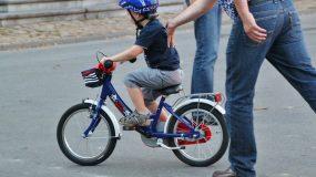 Πως να μάθετε το παιδί σας ποδήλατο σε μία ώρα
