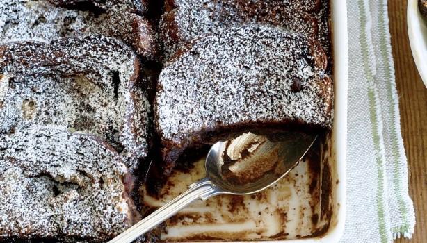 Σοκολατένια πουτίγκα με ψωμί του τόστ