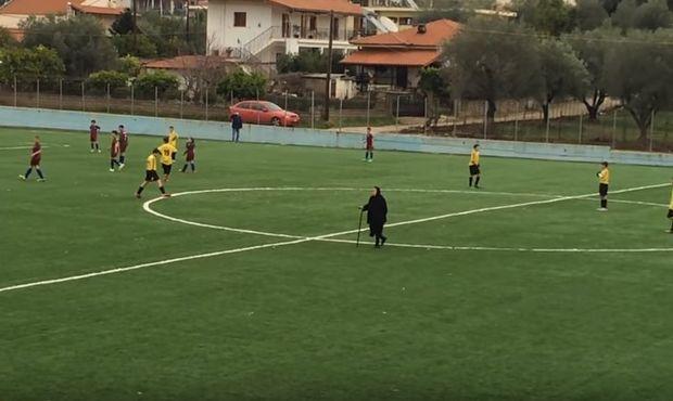 Γιαγιά διέκοψε παιχνίδι στη Θεσπρωτία!(video)