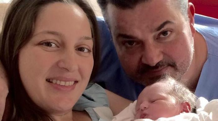 Η συγκινητική φωτογραφία που ανέβασε ο μαιευτήρας της συζύγου του αδικοχαμένου Κωνσταντίνου Πανανά