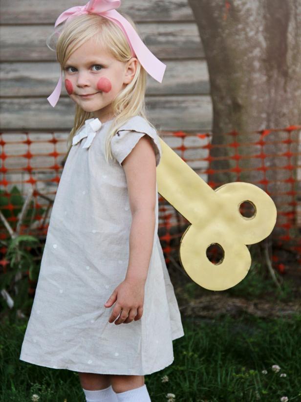 CI-Jess-Abbott_Halloween-Costume-Wind-up-Doll_v.jpg.rend.hgtvcom.616.822
