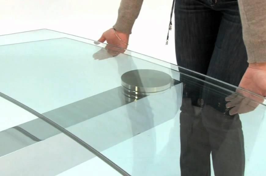 Καντε τα γυαλινα τραπέζια σας να αστράφτουν!