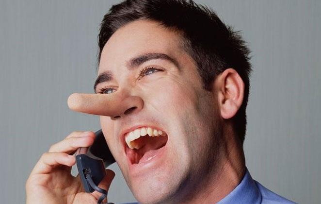 Πώς θα καταλάβετε ότι κάποιος σας λέει ψέματα
