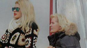 Ελένη Μενεγάκη: Είναι αχώριστη από τη μητέρα της, Ζέτα