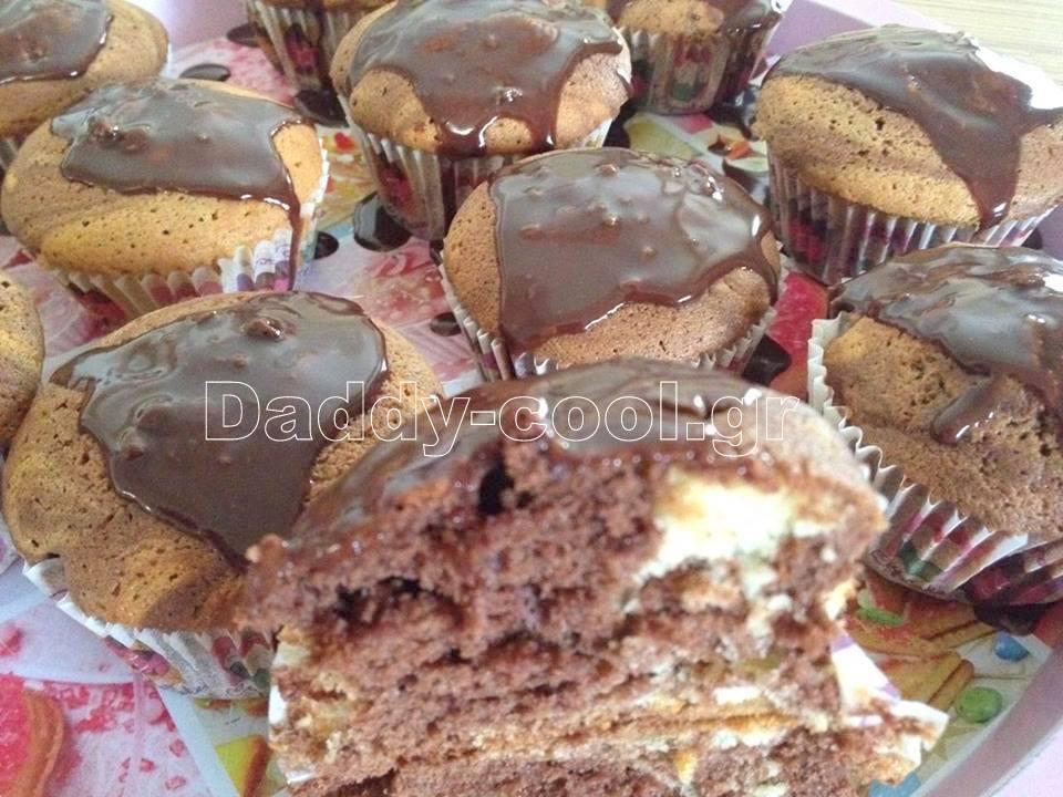 Ευκολά Cupcakes βανιλια κακάο με γλάσσο μερέντας