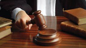 Τεσσεράμισι χρόνια φυλάκιση σε 28χρονο που ζεμάτισε μέχρι θανάτου τη 2χρονη κόρη του για να τη τιμωρήσει