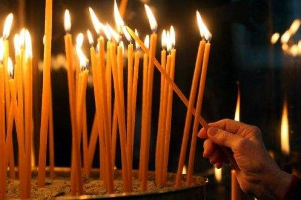 Τι να λέμε όταν ανάβουμε ένα κερί...και τι συμβολίζει