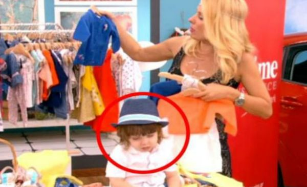 Μωράκι αποκοιμήθηκε στην εκπομπή της Μενεγάκη! Η αντίδραση της Ελένης... (VIDEO)