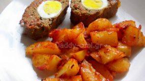 Μαμαδίστικο ρολό κιμά με αυγά και πατατούλες
