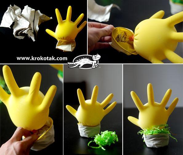 Με ένα πλαστικό γάντι φτιάχνει super Πασχαλινή Κατασκευή