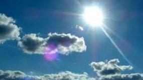 Φτιάχνει σήμερα ο καιρός: Ανεβαίνει ο υδράργυρος και εξασθενούν οι άνεμοι