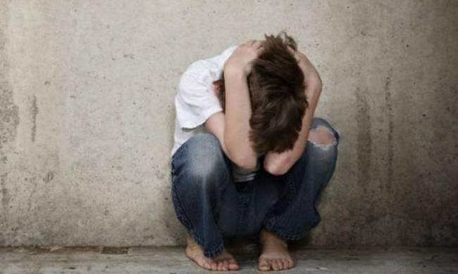 Σοκ στη Χαλκιδα: 13χρονος Ρουμάνος βίασε 5χρονο αγοράκι σε χωράφι!