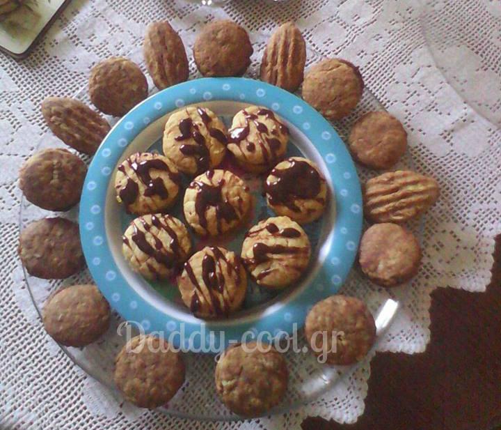 Εύκολα μπισκότα χωρίς βούτυρο και αυγά με τεσσερα μόνο υλικα