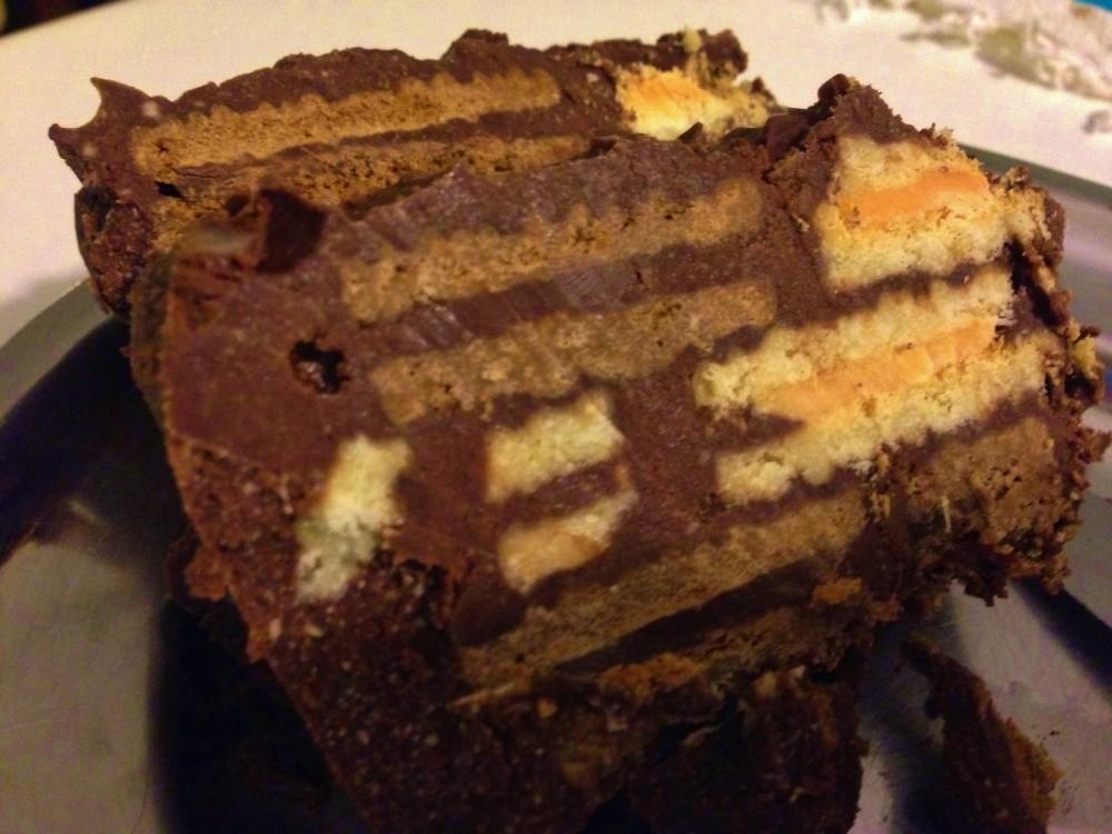 Κορμός σοκολάτας με γεμιστά μπισκότα