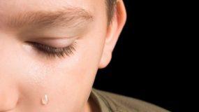 Νεμέα: Εδεσαν τρίχρονο αγοράκι με τριχιά και του έκαιγαν τσιγάρα στο σώμα του