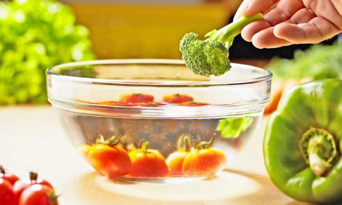 Αυτά είναι τα 12 πιο βρώμικα φρούτα και λαχανικά!