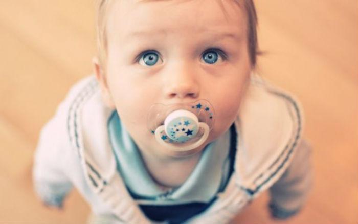 Μπιμπερό, πιπίλα και παραμόρφωση παιδικού προσώπου