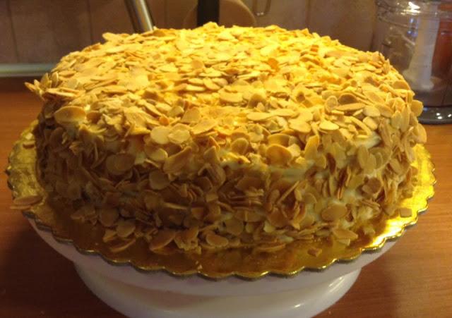 Υπέροχη τούρτα αμυγδάλου