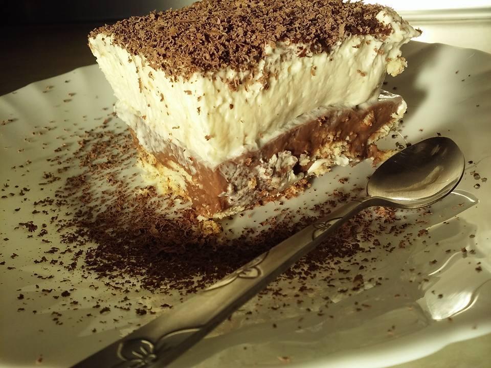 Φανταστικη τούρτα ταψιου με μπισκότο
