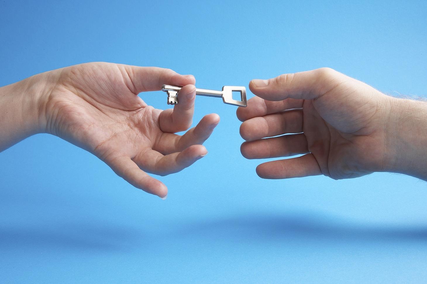 Home Exchange: Διαγωνισμός με δώρο 2 συνδρομές αξίας 130 η κάθε μία.