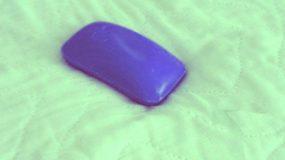 Βάζει ένα σαπούνι κάτω από το σεντόνι πριν κοιμηθεί.Ο λόγος θα σας...''ξεκουράσει''