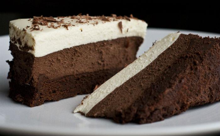 Δροσερό γλυκό τριπλής σοκολάτας