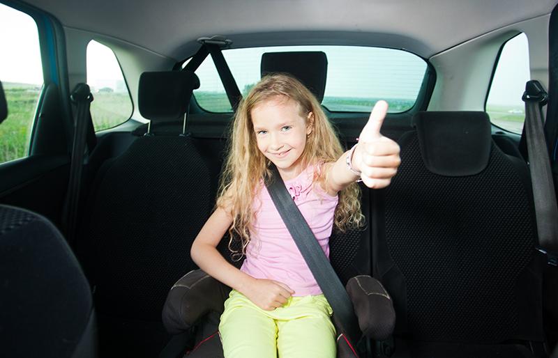 Ποτέ τα παιδια στην αγκαλια και χωρις ζώνη στο αυτοκίνητο...Δείτε γιατι