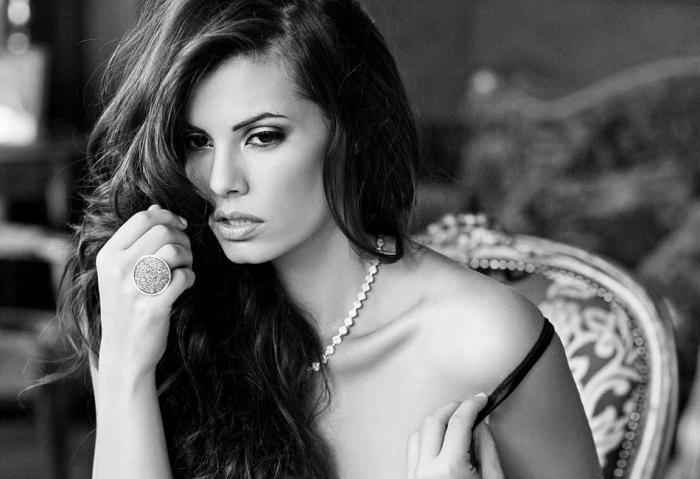 Μαρία Κορινθίου: «Είχα δύσκολη εγκυμοσύνη με αποκόλληση πλακούντα, λιποθυμίες, αφυδάτωση!»
