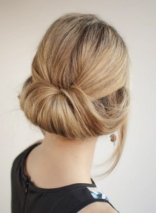 rolled-up-loose-bun-for-women-to-wear-to-work-220x300