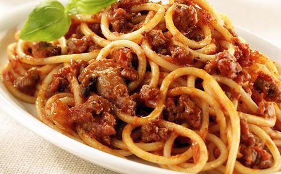 spaghetti-bolognese-2-564x350