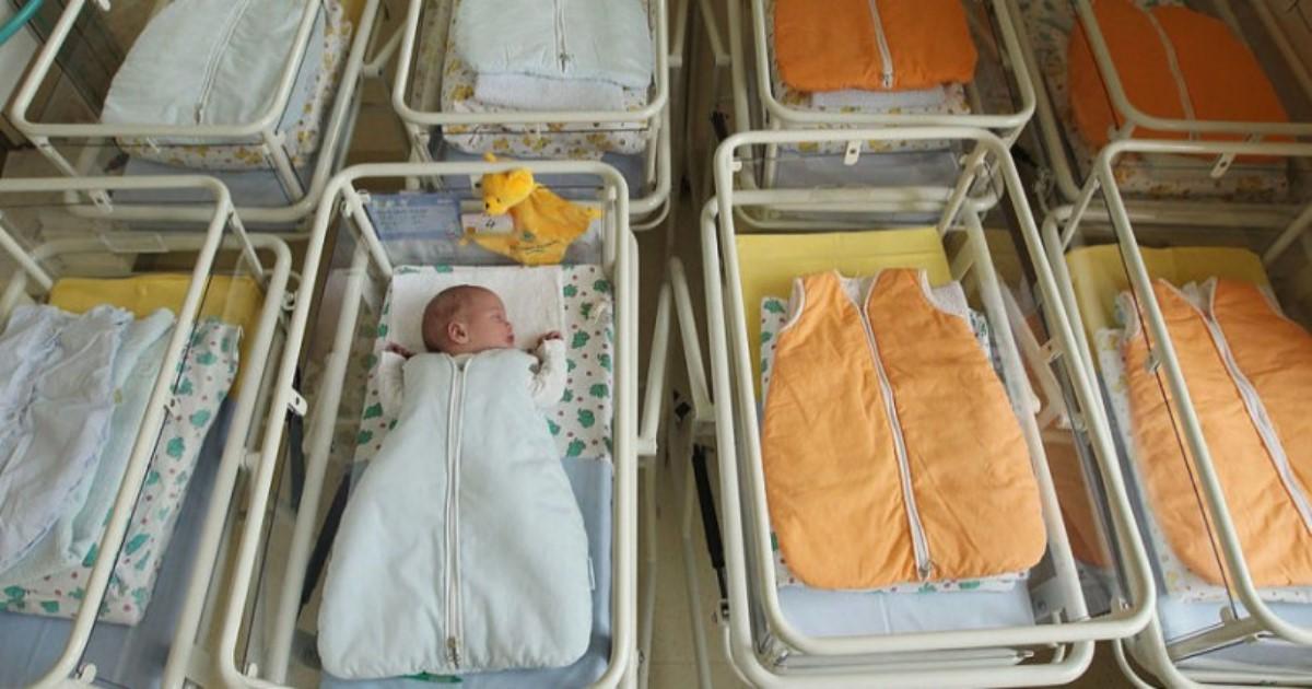 Γονείς τέρατα έστειλαν το Μωρό τους στο νοσοκομείο σε σοβαρή Κατάσταση. Ο λόγος; Θα σας Θυμώσει!