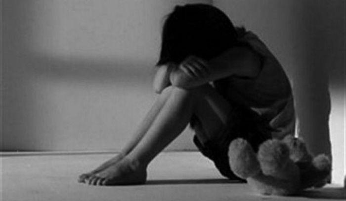 Θεσσαλονίκη: Τι δηλώνει η μητέρα του γιατρού που ασελγούσε στην 4χρονη κόρη του