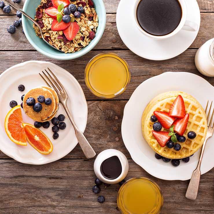 shutterstock_342814394-breakfast-elena-veselova