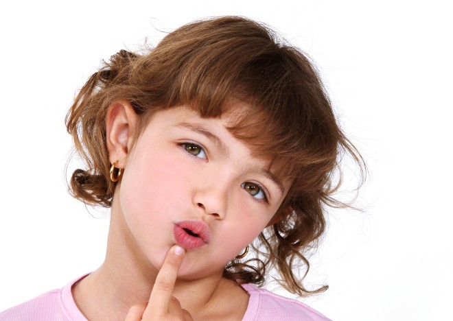 Ηχολαλία: Γιατί το Παιδί μου Επαναλαμβάνει Ό,τι Λέω;