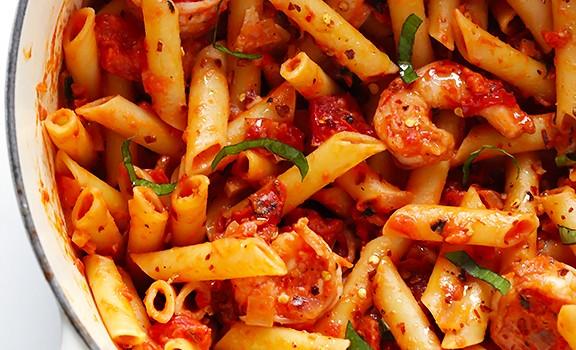 Shrimp-Pasta-with-Spicy-Creamy-Tomato-Sauce-5-576x350