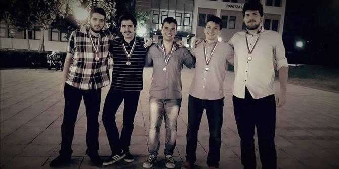 Έλληνες φοιτητές μας έκαναν περήφανους- Κέρδισαν 5 μετάλλια σε παγκόσμιο μαθηματικό διαγωνισμό