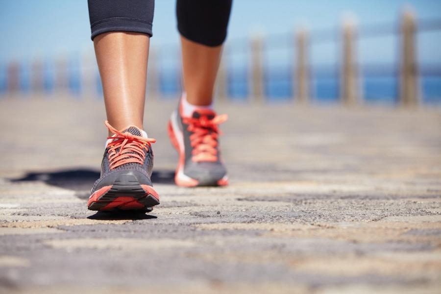 Μάθε πόσες θερμίδες καις στο περπάτημα