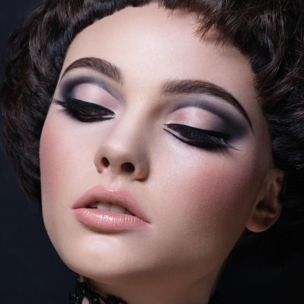 Φτιάξτε το τέλειο cut crease makeup!