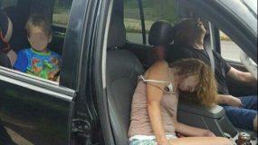 Φωτογραφίες-σοκ: Οδηγούσαν υπό την επήρεια ηρωίνης με τον τετράχρονο γιο τους στο αμάξι