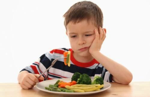 Μπορεί να εκπλαγείτε αν μάθετε πόσο πραγματικά πρέπει να ταΐζετε το παιδί σας