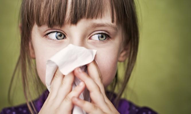 Μπούκωμα στην μύτη: Τι να κάνετε για να κοιμηθείτε πιο άνετα