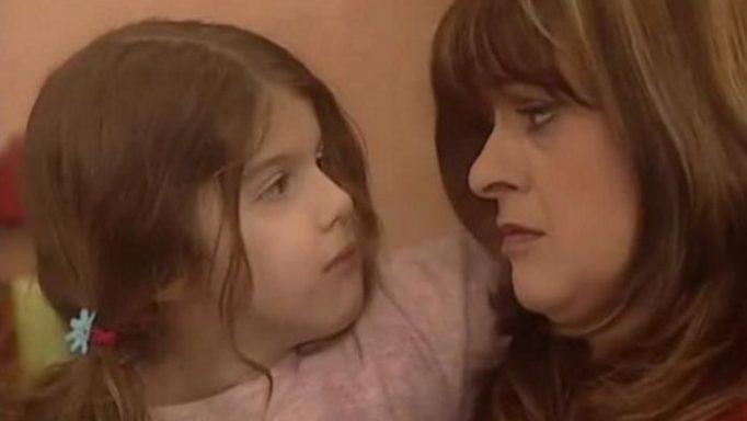 """Ποιας γνωστής ηθοποιού είναι κόρη η """"Μπουλίτσα"""" από το """"Καφέ της Χαράς"""";"""