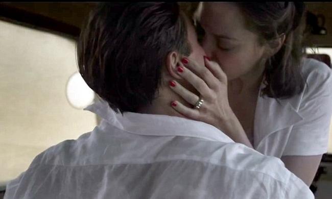 Η πέτρα του σκανδάλου! Η γυναίκα που μπήκε ανάμεσα σε Jolie-Pitt