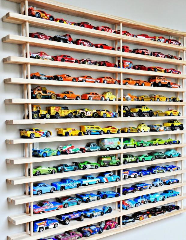 Τακτοποιήστε τα αμέτρητα αυτοκινητάκια των παιδιών με αυτό το πανέξυπνο τρόπο