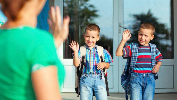 7 πράγματα που πρέπει να λέτε στο παιδί σας πριν ξεκινήσει για το σχολείο