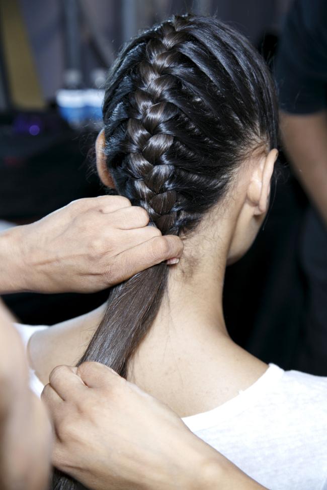 10 περίεργα κόλπα για τα μαλλιά σας που πραγματικά λειτουργούν!