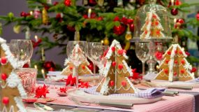 10 τρόποι για να δικοσμήσετε το πρωτοχρονιάτικο τραπέζι σας και να τους αφήσετε όλους με το στόμα ανοιχτό